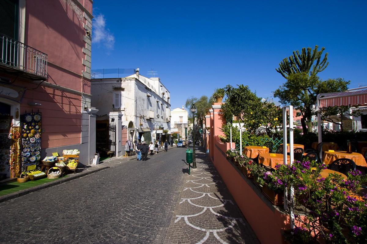 Ischia Porto Via Roma