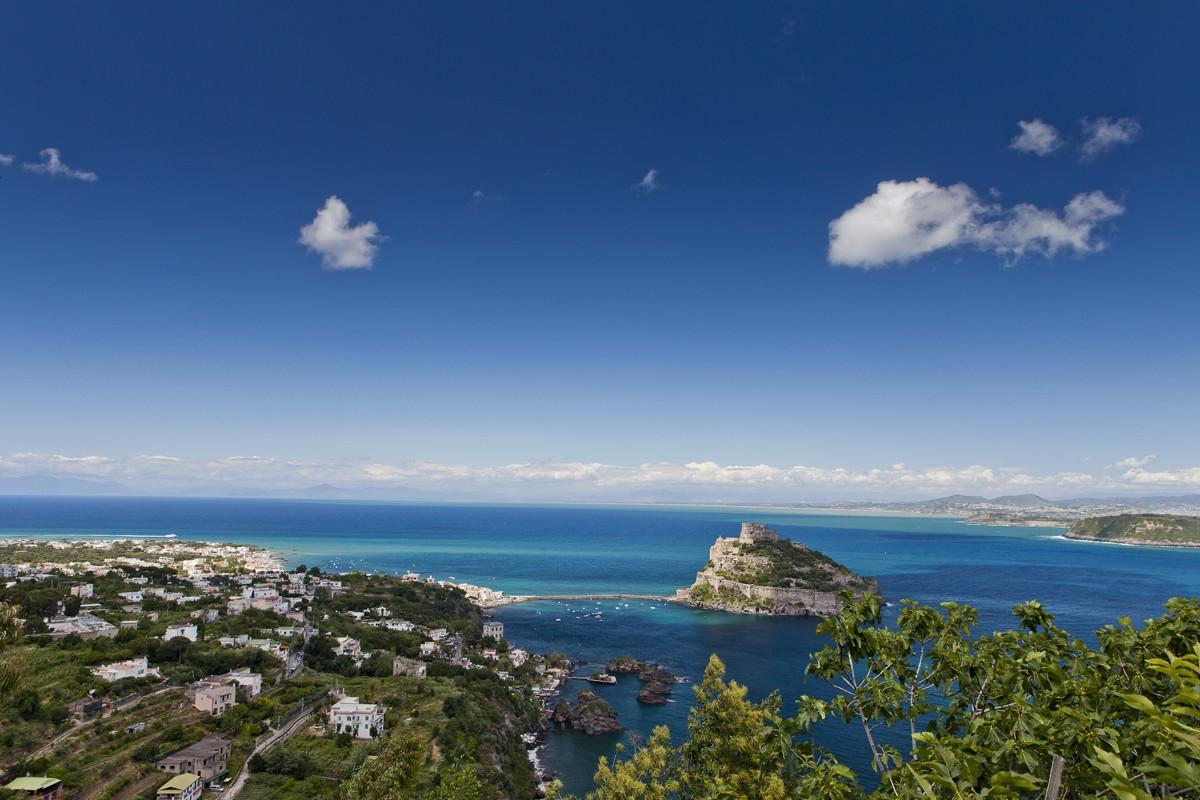 Vista di Ischia Porto