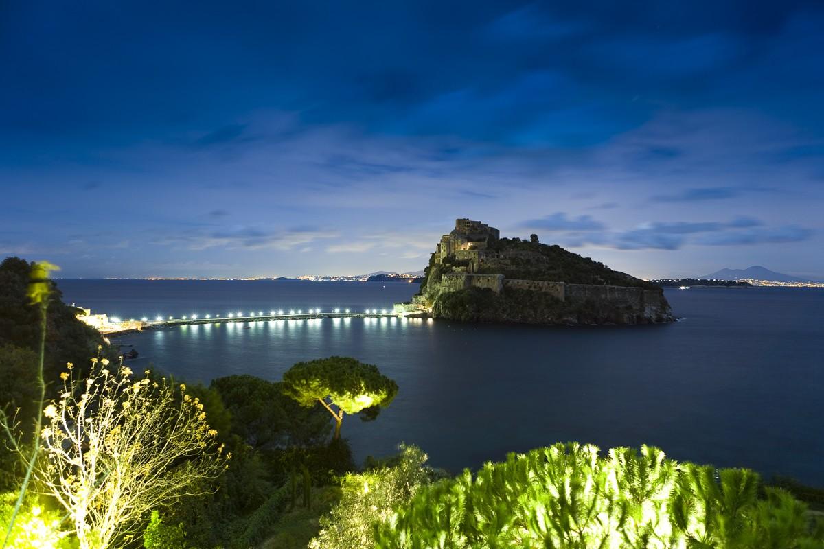 Ischia, notturno del Castello Aragonese